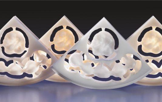 Рис. 1 ZENOSTAR ZR TRANSLUCENT светлый, средний, белый и насыщенный